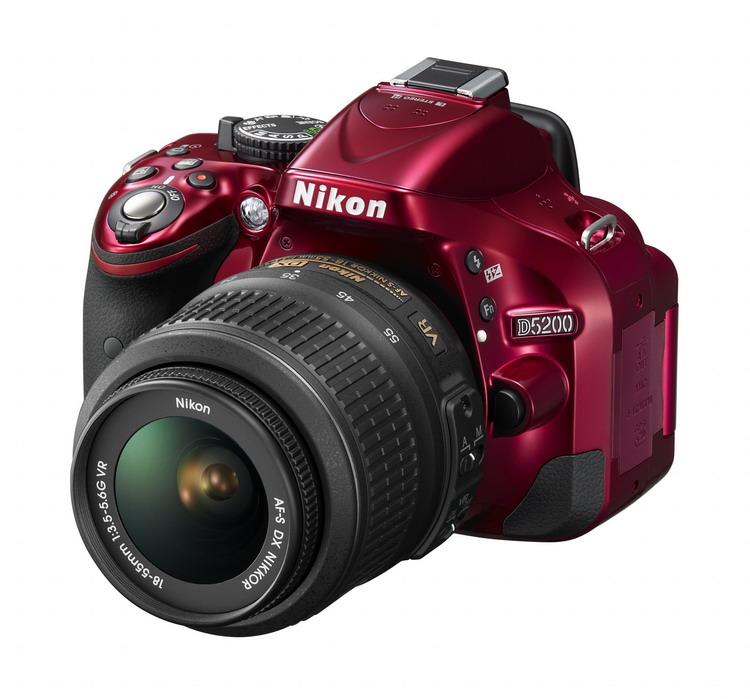 NIKON D5200 Red + 18-55mm VR II AF-S DX