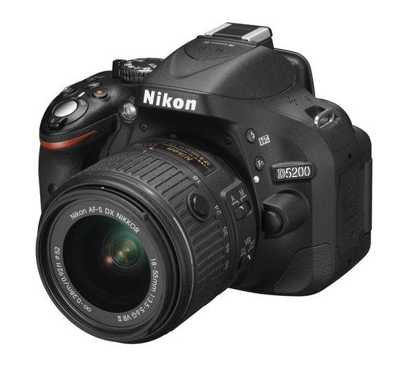 NIKON D5200 Black + 18-55 VR II AF-S DX